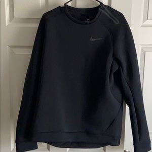 Nike Therma fit crew size Large